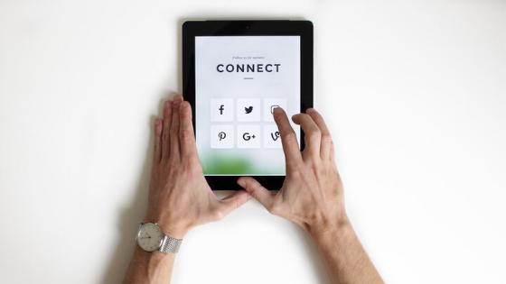 Enhance the Customer Journey with Social Media